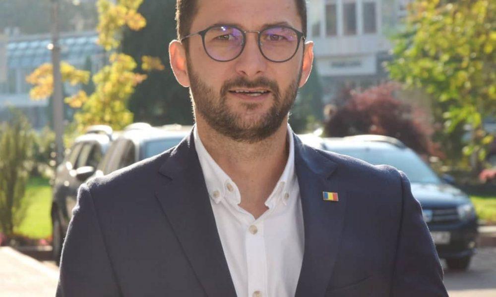 Alegeri locale 2020. Liberalul Andrei Carabelea a castigat ...  |Andrei Carabelea